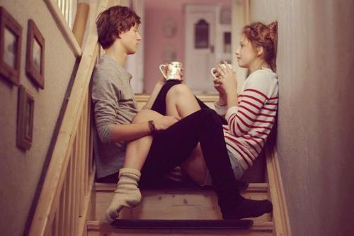 安靜的喝著咖啡,其實不需要太多的言語,也能看到你眼睛裏的我是什麽樣子的。