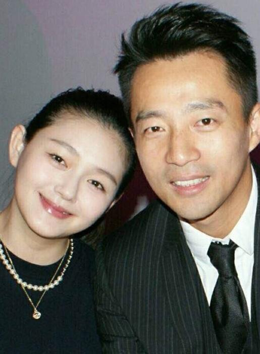 汪小菲時不時在微博中放上幸福的溫馨照。