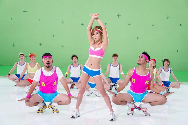 韓國瘦身女王鄭多燕加入自由發揮的MV《GYM》,大家快跟上女王的節奏一起動起來吧!