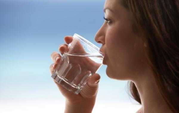 空腹喝水的5個好處