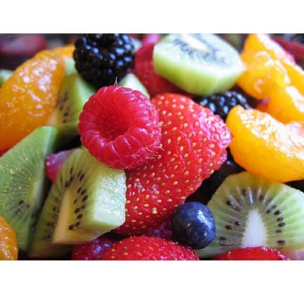 在早上喝杯排毒果汁清腸胃及宿便,幫助腸道蠕動,可令減肥效果更顯著