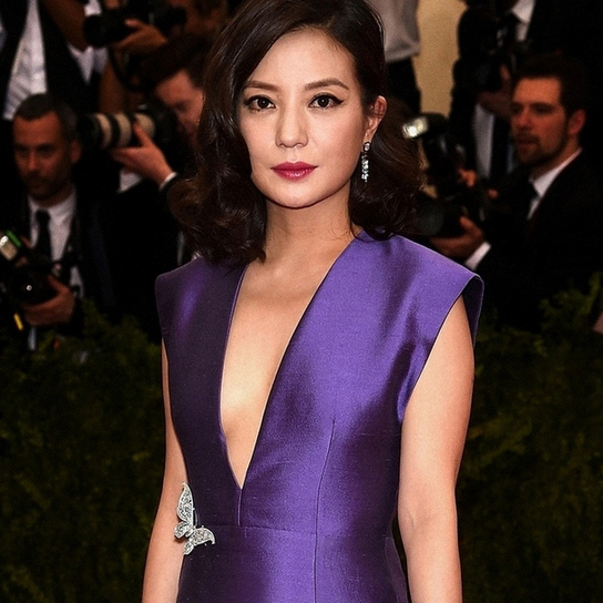 趙薇配戴Tiffany & Co.出席Met Ball Gala的紅毯。