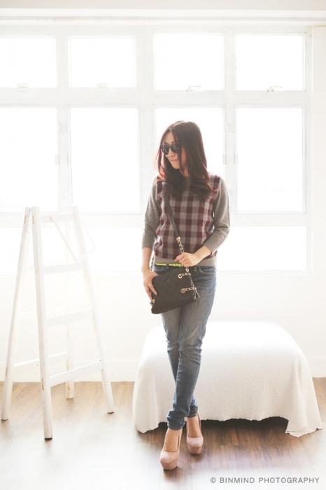 緊記要選jeggings,因為所謂的skinny jeans,並不一定令你顯得skinny,而jeggings 則可達至這個效果!