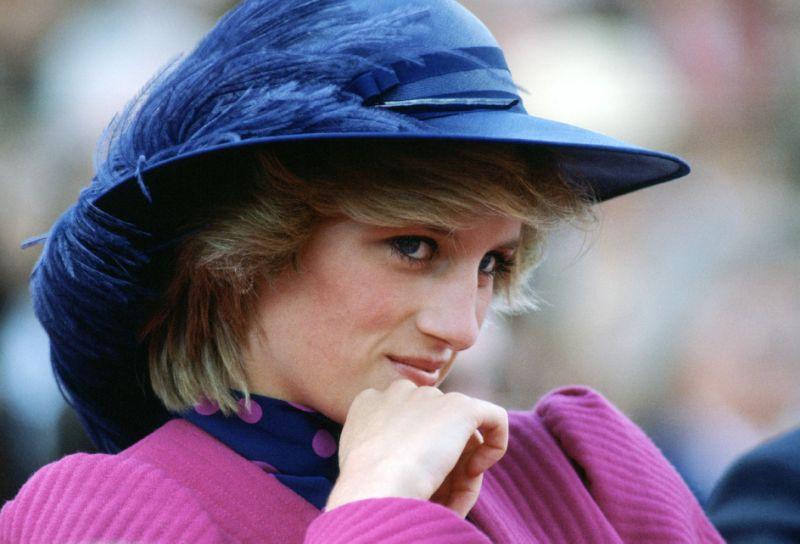 在那個不賣肉也能佔據各大版面的年代,看看黛安娜王妃與她的貝雷帽