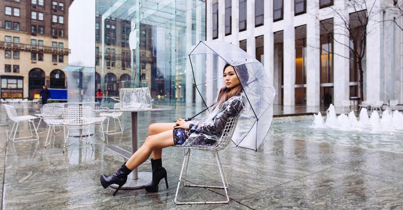 下雨難免心情差,這三個單品讓妳雨天時尚又開心