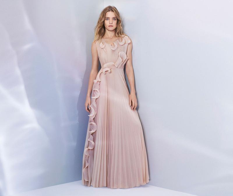 H&M走在時尚尖端 用回收做成夢幻禮服!