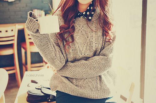 想當暖冬慵懶美女? 到KeyWear挑一件高質感羊毛衣吧!